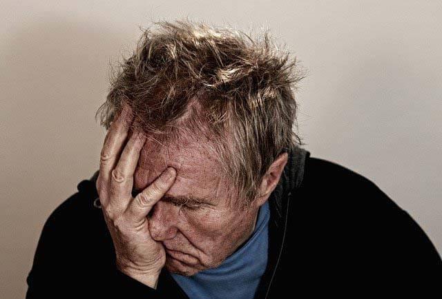 un personne stressé et anxieuse