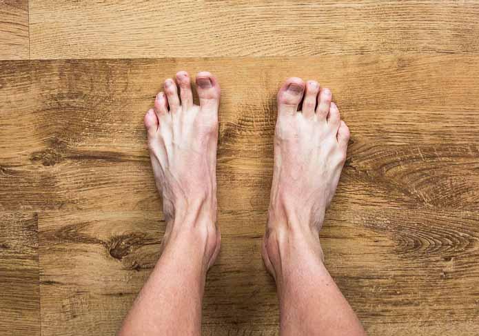 image qui montre des pieds