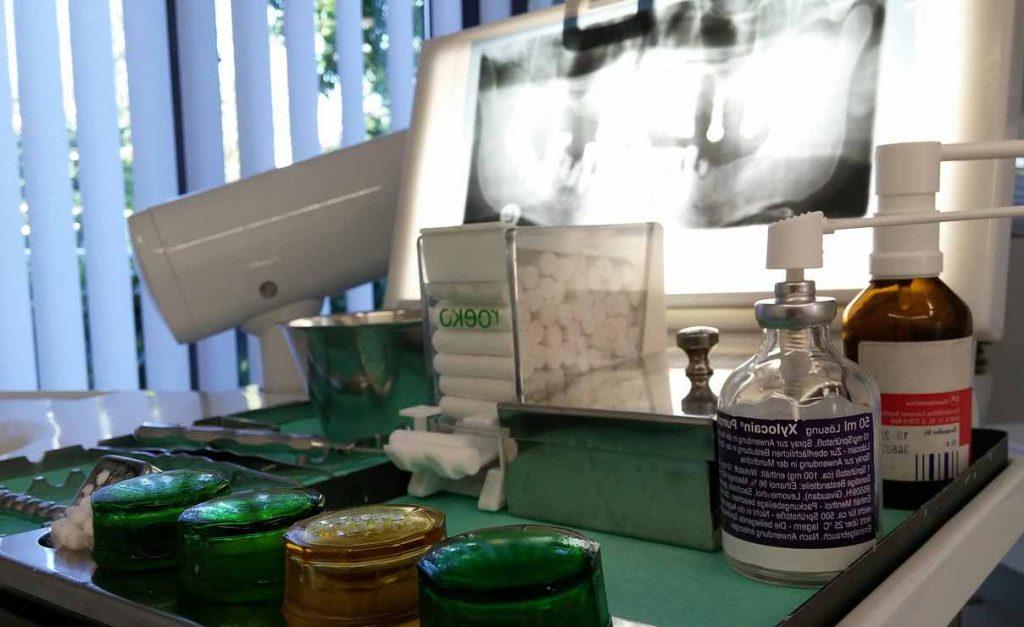 image d'une radio des dents chez le dentiste